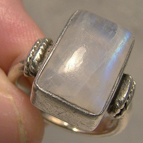 Blue Moonstone Sterling 1980s Ring - Nice Blue Fire