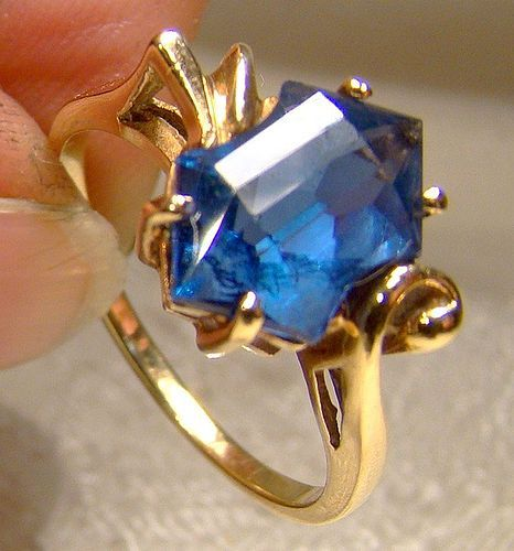 10K Blue Spinel Cocktail Ring 1950s Size 8-1/2
