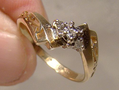 10K Yellow Gold Diamonds Filigree Ring - Great Style 1960s Size 6-1/2