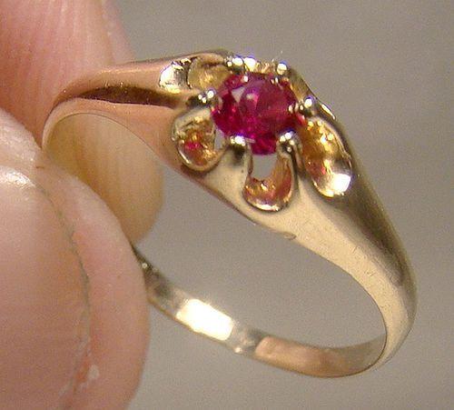 Edwardian 14K Yellow Gold Garnet Child Baby or Pinky Ring 1900-10