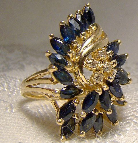 14K Yellow Gold Sapphires & Diamonds Cluster Cocktail Ring 1960s 14 K
