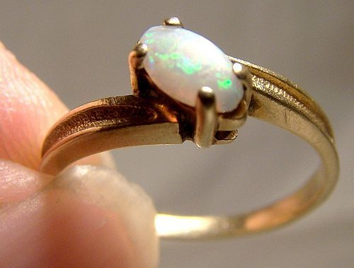 10K Natural Opal Gold Ring 1960s Size 3-3/4