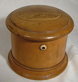 19thC MAUCHLINEWARE CARLINGFORD STRING THREAD HOLDER