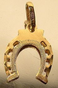 Vintage 22K YELLOW GOLD HORSESHOE CHARM PENDANT