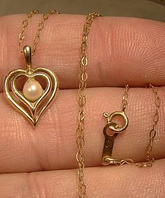 10K DOUBLE HEART CULTURED PEARL PENDANT ON CHAIN