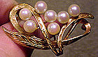 Lovely 14K CULTURED PEARLS LEAVES PIN