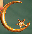 14K MOON & STAR HONEYMOON PIN with PEARL c1900-10