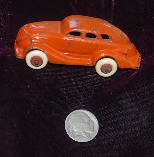 Antique ~ Cast Iron Toy CAR ~ 1940'S