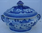 CIRCA 1880 CHINESE EXPORT BLUE CANTON SOUP TUREEN