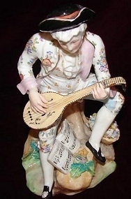 EUROPEAN GERMAN PORCELAIN FIGURE W/ MANDOLIN