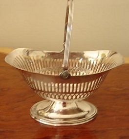 CIRCA 1880 SILVER RETICULATED BASKET W/HANDLE