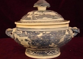 C. 1810 NANKING SAUCE TUREEN W/ COVER