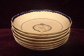 C. 1800 CHINESE EXPORT BLUE AND WHITE BERRY BOWLS