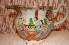 C.1880 CHINESE EXPORT ROSE MEDALLION HOG SNOUT CREAMER