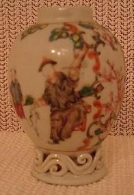 C. 1770 CHINESE EXPORT MANDARIN TEAPOY/TEA CADDY