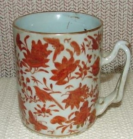 C. 1850 CHINESE EXPORT SACRED BIRD AND BUTTERFLY MUG
