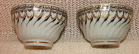 C. 1800 PAIR OF ENGLISH TEA BOWLS