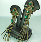 1970s Quatrefoil Green Stone Tassels French Earrings