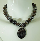 Victorian 14KT Gold Banded Agate Pendant Necklace