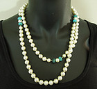 1970s Turquoise Poured Glass Faux Pearls Long Sautoir Necklace