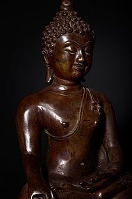 16th - 17th century heavy bronze Buddha from Chiang Mai