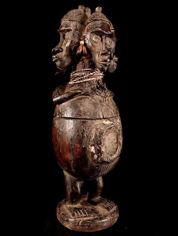 Very rare and large ritual jar of the Bakongo people
