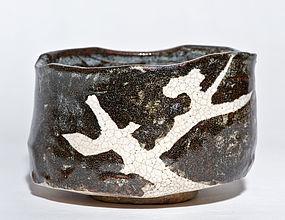 Grey Shino Oribe Chawan of late Momoyama / early Edo Period
