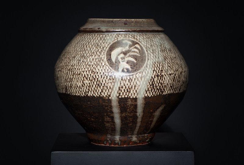 Large Mashiko Tsubo by Living National Treasure Shimaoka Tatsuzo