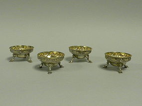 Set of 4 Antique English Sterling Salt Cellars London