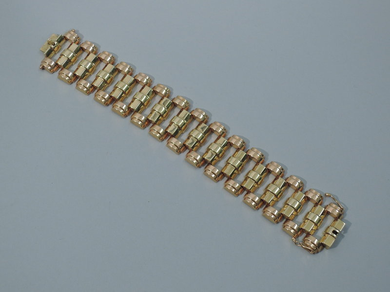 Retro 1940s 18K Rose and Yellow Gold Links Bracelet