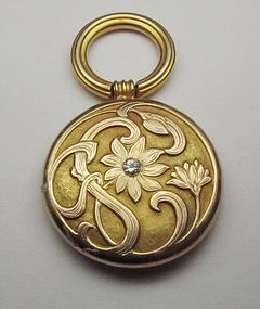 14Kt Gold Art Nouveau Pendant with Diamond