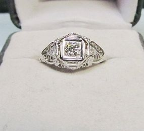 18Kt White Gold Filigree and Diamond Ring
