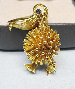 18Kt Gold Pelican Broach