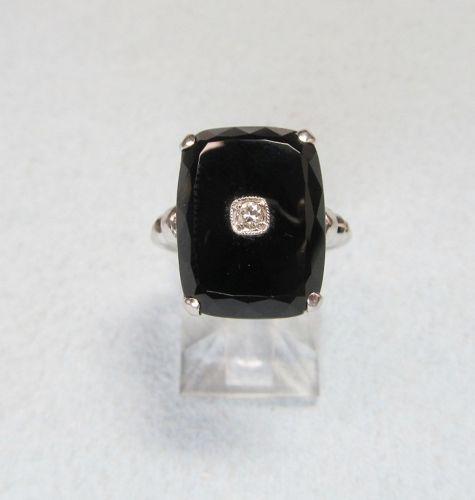 Art Deco onyx and diamond ring
