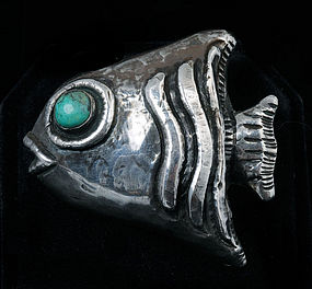 EARLY MEXICO CITY REPOUSSE SILVER FISH PIN/BROOCH