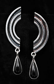 DECO MEXICAN SILVER TEARDROP ONYX DANGLE EARRINGS