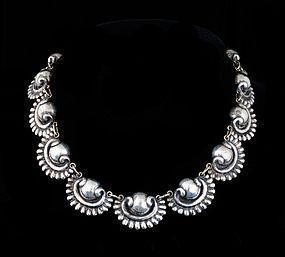 R. RIVERA Deco MEXICAN Silver Repousse NECKLACE vintage
