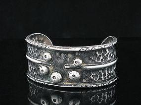 vintage 50s STUDIO MOD hammered silver CUFF BRACELET