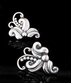 Margot de Taxco Mexican silver Hibiscus Earrings 5488
