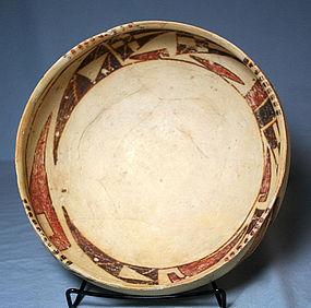 Sikyatki Polychrome bowl with birds ca 1400 to 1625 ad.