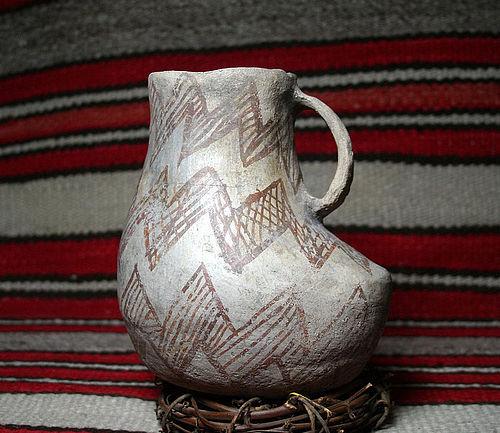 Anasazi / Mesa Verde b/w Large duck effigy pitcher ca. 1180 ad.