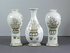 Chinese Export Porcelain Garniture of Vases, Qianlong