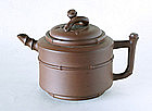 A Good Yixing Tea Pot, 18th ~ 19th Century.