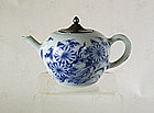 An Attractive Kangxi Teapot, circa 1700.