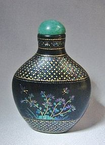 Fine Detail LAC BURGAUTE Snuff Bottle