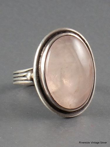 HECTOR AGUILAR ROSE QUARTZ & SILVER RING