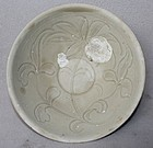 Chinese Song Dynasty White Glazed Incised Bowl