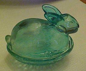 LE Smith lt teal   bunny rabbit on nest covered dish
