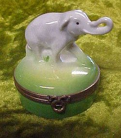 Limoges France Castel Peint  Main elephant hinged box