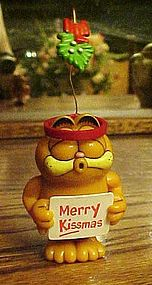 Garfield the Cat Merry Kissmas ornament
